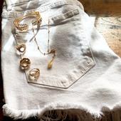 ᕼᗩᗷIᒪᒪéE ᑭOᑌᖇ ᒪ'éTé// Bonne canicule à toutes ✌🥵 . . . . . . #latelierdubijoutier #latelier_du_bijoutier #bijoux #jewels  #plaqueor #argent #mode #fashion #style #qualite #quality #bijouxpourlavie