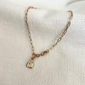 [ LOCK & LOVE ] nouveauté sur l'EShop; le bracelet LOCK LOVE et son petit cadenas trop mignon ☺️ Qui trouvera la clé du cadenas de votre ❤️? Ou l'a déjà trouvé!? Taguez le(la) ici ☺️  #collection #latelierdubijoutier #latelier_du_bijoutier #bijoux #jewels #mode #fashion #fashiongram #style #love #beautiful #instagood #instaphoto #instapic #instafashion #suiveznous #followus