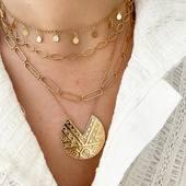 •CASCADE• de colliers ✨ MAIA // LILY // AMBER // PALOMA  #collection #latelierdubijoutier #latelier_du_bijoutier #instajewelery #bijoux #fashion #mode #style #jewels #instastyle #instafashion #instagood   L'Atelier du Bijoutier c'est aussi: Création, transformation, fabrication, vente de bijoux en plaqué or 3 microns, argent 925, Or 18K, perles et pierres précieuses, réparation de bijoux et montres.