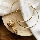 •BACK TO BASICS• Une paire de Créoles comme la Reine @cristinacordula , les bagues AMAL et VICTOIRE, c'est la base!   #collection #latelierdubijoutier #latelier_du_bijoutier #instajewelery #bijoux #jewels #instastyle #instafashion #instagood   L'Atelier du Bijoutier c'est aussi: Création, transformation, fabrication, vente de bijoux en plaqué or 3 microns, argent 925, Or 18K, perles et pierres précieuses, réparation de bijoux et montres.
