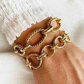 •STYLISH FRIENDS• On essaye, on combine, ça ne match pas toujours mais LÀ! Ça marche CARRÉMENT, non??? Bracelet VIVIANE JONC CLÉMENTINE  #collection #latelierdubijoutier #latelier_du_bijoutier #bijoux #jewels #mode #fashion #fashiongram #style #love #instagood #beautiful #instagood #instaphoto #instapic #suiveznous #followus